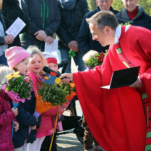Palmsonntag in Hiddingsel, Gestaltung der Messe durch Kommunionkinder