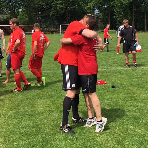 Der SV Vorwärts Hiddingsel spielt wieder Kreisliga B. Am Sonntag schlugen sie die Unionisten aus Lüdinghausen mit 5:2. Somit wurden sie am Ende sicher und verdient Meister der Kreisliga C.