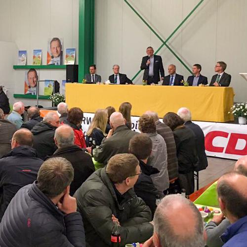 David McAllister zu Gast in Hiddingsel. Weitere Gäste Johannes Röring (MdB), Michael Uckelmann (WLV), Dietmar Penske ()Landtagskandidat 2017 Wahlkreis COE2), Marc Henrichmann (Bundestagskandidat Wahlkreis COE-Steinfurt) Werner Jostmeier (MdL) sowie Gastgeber Bernd Diekmann Grosse Volksbeck.