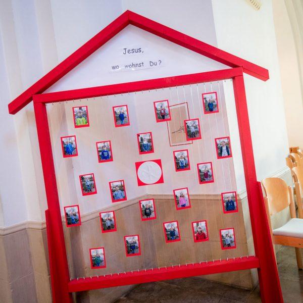 23 Kinder aus der Gemeinde St. Georg Hiddingsel empfingen die Erste Heilige Kommunion 2018