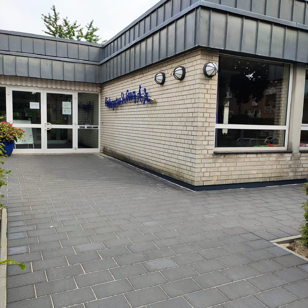Neu gestalteter Eingangsbereich des Kindergartens